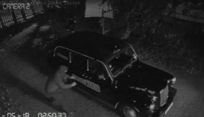 Η στιγμή που κλέβουν το πρώτο Fake Taxi