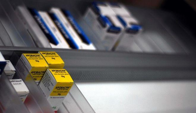 Φωτογραφία αρχείου από φάρμακα σε συρτάρι φαρμακείου.