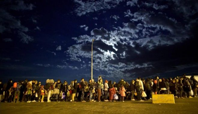 Ο Μουζάλας διαψεύδει τη δημιουργία νέου hot spot στη Μυτιλήνη