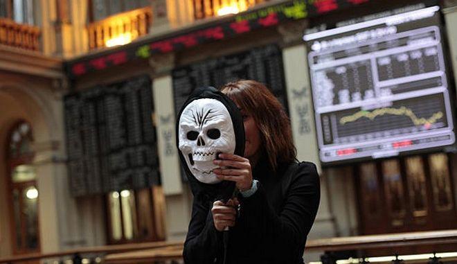 Έπεσαν οι μάσκες. Η Κομισιόν διαψεύδει έξοδο της Ελλάδας στις αγορές το 2014