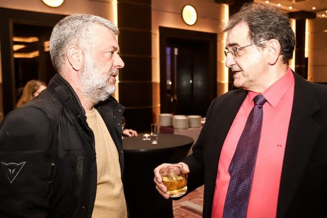 Από αριστερά: Κώστας Σαρρηκώστας, διευθυντής News247.gr και Θοδωρής Κολυδάς, μετεωρολόγος