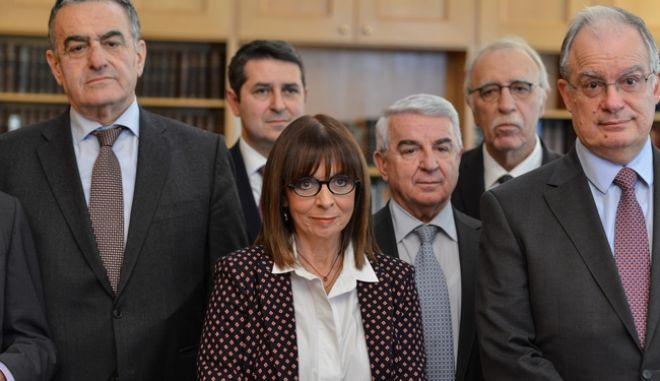 Ανακοίνωση από τον Πρόεδρο της Βουλής Κώστα Τασούλα του αποτελέσματος της ψηφοφορίας στην νέα Πρόεδρο της Δημοκρατίας, Αικατερίνη Σακελλαροπούλου