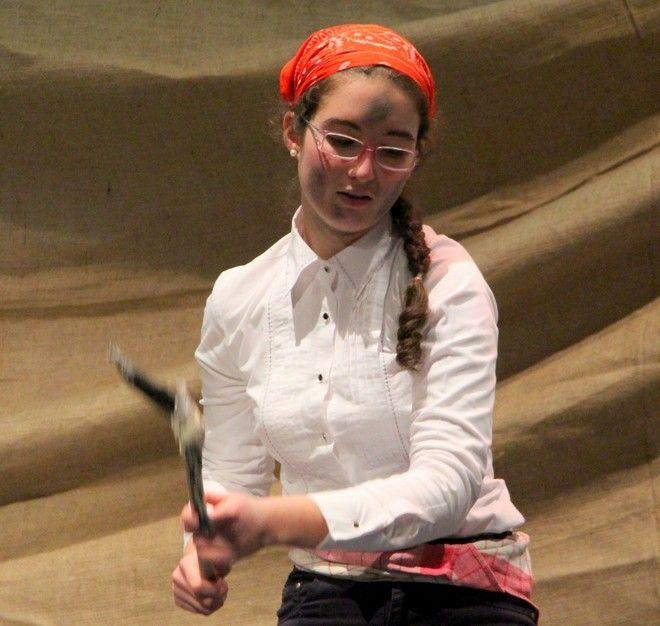 H Αλβιόνα σε θεατρική παράσταση του σχολείου της