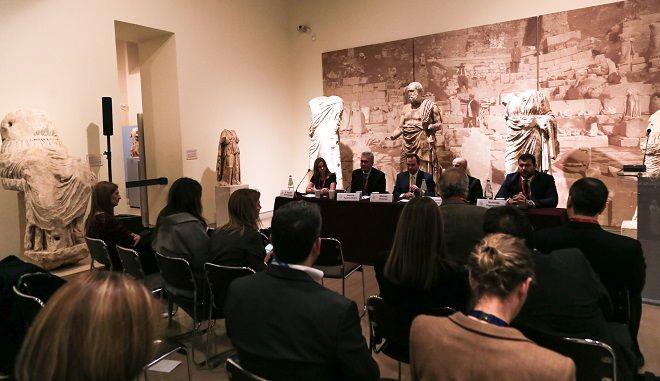 Ο ρόλος της εταιρικής υπευθυνότητας συζητήθηκε στο πλαίσιο του 4ου Οικονομικού Φόρουμ Δελφών στο πάνελ CORPORATE RESPONSIBILITY: WHEN COMPANY VALUES MEET SOCIAL NEEDS που πραγματοποιήθηκε το απόγευμα της Παρασκευής στο Αρχαιολογικό Μουσείο των Δελφών
