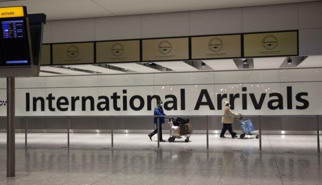 Βρετανία: Έκκληση από τις αεροπορικές για χαλάρωση περιορισμών