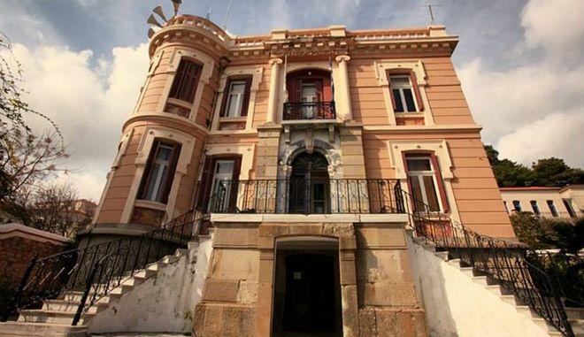 """""""Ανοίξαμε"""" τα αρχοντικά της Μυτιλήνης! Επίκεντρο της Ιστορίας το θέρετρο του Ελύτη"""