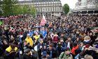 'Θερμή' υποδοχή για το νέο Πρόεδρο της Γαλλίας