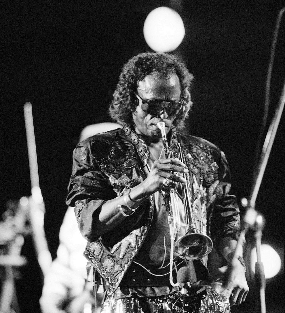 Ο Μάιλς Ντέιβις σε εμφάνισή του στο North Sea Jazz Festival στη Χάγη της Ολλανδίας (11/7/1987).