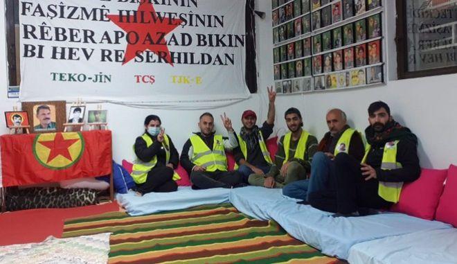 Κούρδοι Λαυρίου: Συνεχείς απεργίες πείνας για Οτσαλάν και πολιτικούς κρατούμενους στην Τουρκία