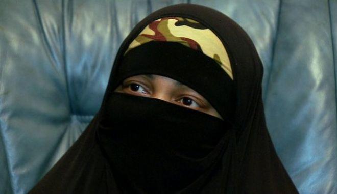 Βρετανία: Μητέρα έξι παιδιών προωθούσε το τζιχάντ μέσω Facebook