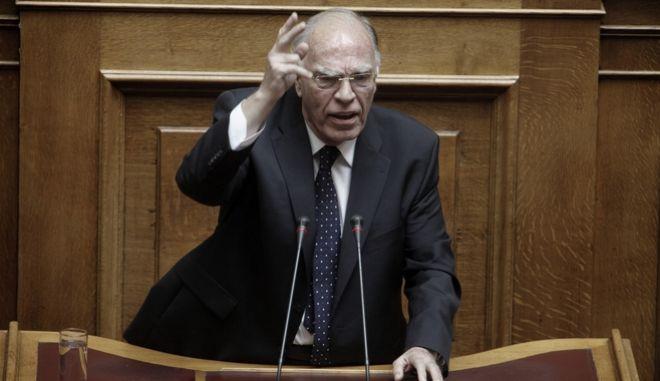 Β. Λεβέντης: 'Συμφωνία ντροπής το κλείσιμο της αξιολόγησης'