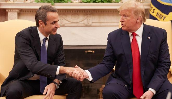 Ο Κυριάκος Μητσοτάκης με τον Ντόναλντ Τραμπ στον Λευκό Οίκο