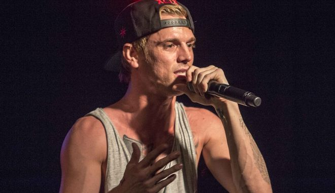 Ο τραγουδιστής Άαρον Κάρτερ
