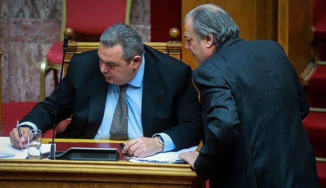 """Μόνη συζήτηση και ψήφιση επί της αρχής, των άρθρων και του συνόλου του σχεδίου νόμου του Υπουργείου Εθνικής Άμυνας """"Κύρωση του Μνημονίου Συνεργασίας μεταξύ του Ανώτατου Συμμαχικού Διοικητή Μετασχηματισμού (SACT) και του Υπουργείου Εθνικής Άμυνας της Ελληνικής Δημοκρατίας, σχετικά με την τοποθέτηση Εθνικού Αντιπροσώπου Συνδέσμου στο Στρατηγείο της Ανώτατης Συμμαχικής Διοίκησης Μετασχηματισμού και των ανταλλαγεισών επιστολών περί παράτασης της ισχύος του ανωτέρω Μνημονίου"""", την Τετάρτη 9 Ιανουαρίου 2018. (EUROKINISSI/ΓΙΩΡΓΟΣ ΚΟΝΤΑΡΙΝΗΣ)"""