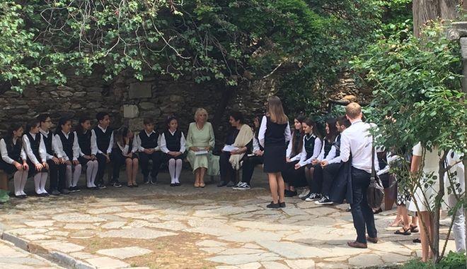 Η υπουργός Πολιτισμού Λυδία Κονιόρδου υποδέχθηκε στη Μονή Καισαριανής την δούκισσα της Κορνουάλης Καμίλα