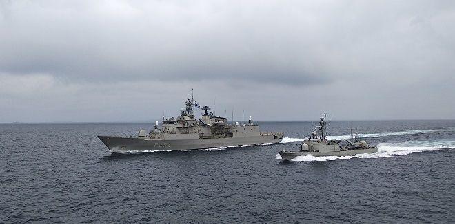 Άσκηση στον Σαρωνικό στο πλαίσιο του προγράμματος Επιχειρησιακής Εκπαίδευσης μονάδων του Πολεμικού Ναυτικού και σε συνεργασία με άλλους κλάδους των Ενόπλων Δυνάμεων.