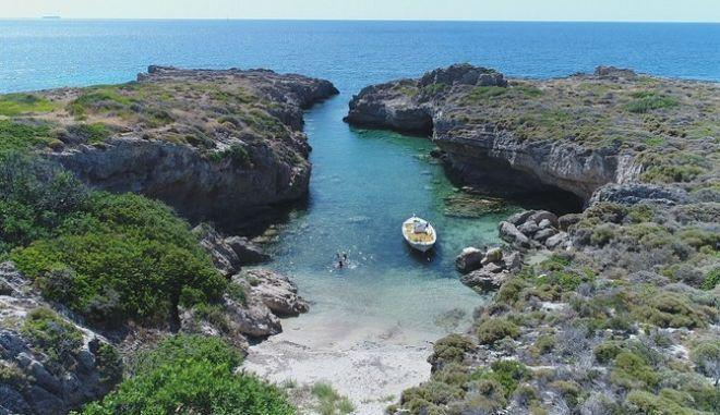 Η πιο πριβέ παραλία της Ελλάδας