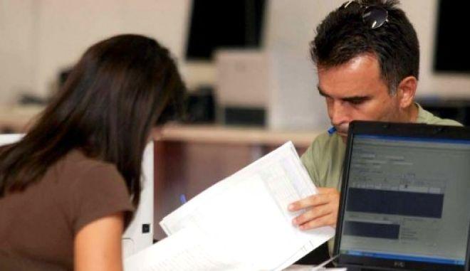 Πρόταση - ανάσα: Έρχεται 3ετής αναστολή εισφορών από νέους επαγγελματίες