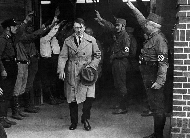 Ο Αδόλφος Χίτλερ στο Μόναχο τον Δεκέμβριο του 1931