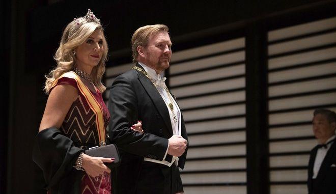 Ο βασιλιάς Γουλιέλμος-Αλέξανδρος και η βασίλισσα Μαξίμα της Ολλανδίας σε εκδήλωση στο Τόκιο τον Οκτώβριο του 2019