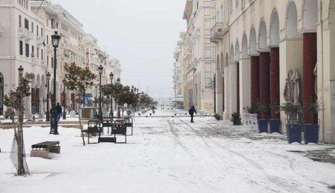 """Κακοκαιρία """"Μήδεια"""" - Χιονισμένο το κέντρο της Θεσσαλονίκης"""