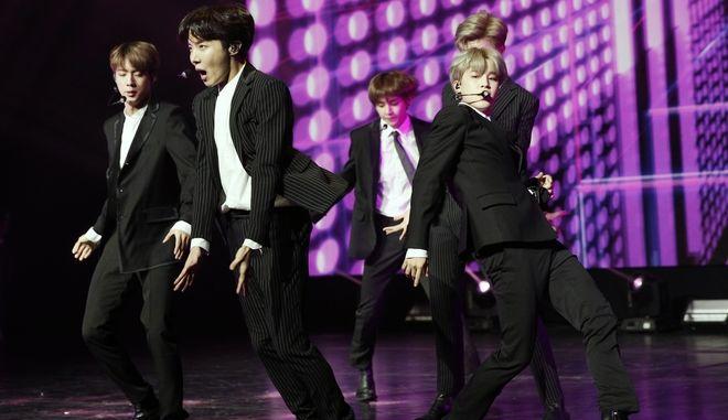 Οι σούπερ σταρ της K-pop BTS