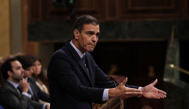 Ο Ισπανός εκτελών χρέη πρωθυπουργού Πέδρο Σάντσεθ στη βουλή