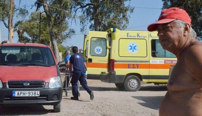 ΑΡΓΟΣ-Χωρίς τις αισθήσεις του ανασύρθηκε ηλικιωμένος,σήμερα το πρωί Κυριακή 7 Αυγούστου, από την παραλία Τημενίου του δήμου Άργους Μυκηνών.Διεκομίσθη με ασθενοφόρο  του ΕΚΑΒ στο  Νοσοκομείο Ναυπλίου, όπου διαπιστώθηκε ο θάνατός του. Έρευνα για τις συνθήκες του θανάτου  διενεργεί το Λιμεναρχείο Ναυπλίου.(EUROKINISSI)