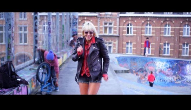 "Happy Voting: Ευρωβουλευτές ""ραπάρουν"", χορεύουν και βγάζουν selfies για να τους ψηφίσουν οι νέοι"