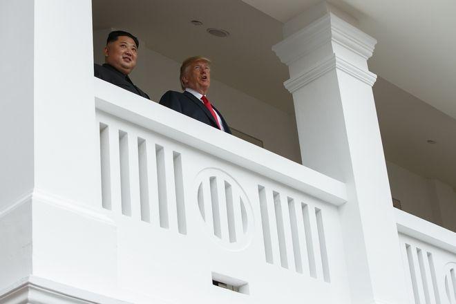 Τραμπ και Κιμ μετά την κατ'ιδίαν συνάντησή τους
