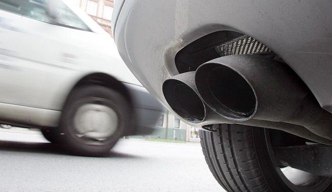 Πρόστιμα έως και 30.000 ευρώ ανά όχημα σε όσους κατασκευαστές παραποιούν ρύπους