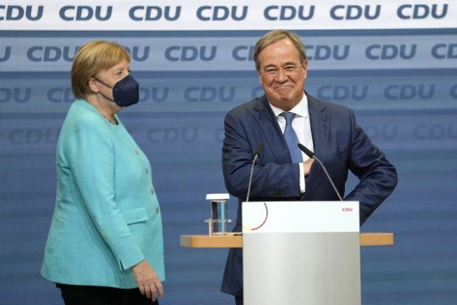 Λάσετ και Μέρκελ στο στρατηγείο του CDU