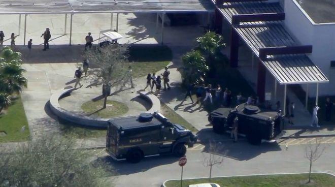 Συναγερμός στη Φλόριντα: Πυροβολισμοί σε σχολείο - Τουλάχιστον ένας νεκρός