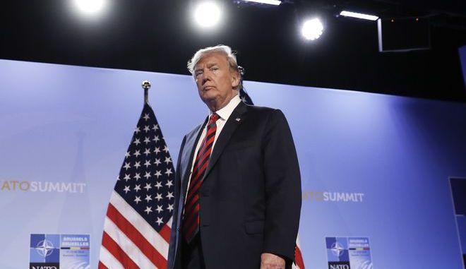 Ο Αμερικανός πρόεδρος Ντόναλντ Τραμπ σε συνεδρίαση του ΝΑΤΟ στις Βρυξέλλες