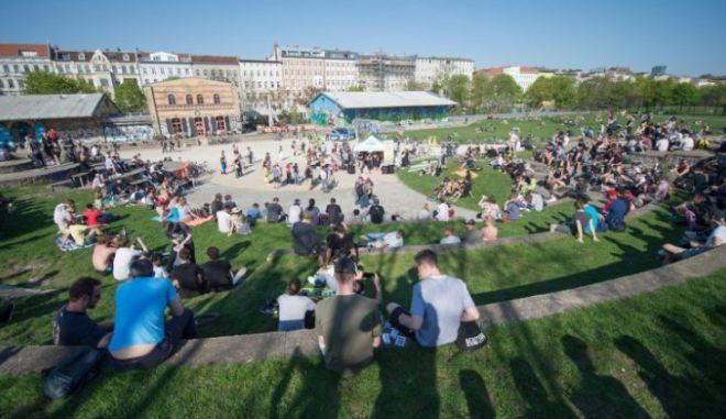 Βερολίνο: Έβαλαν ζώνες διακίνησης ναρκωτικών σε πάρκο για τους ντίλερς