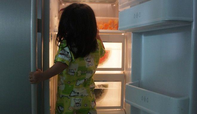 Η εφιαλτική αλήθεια για τις πόρτες των ψυγείων μας