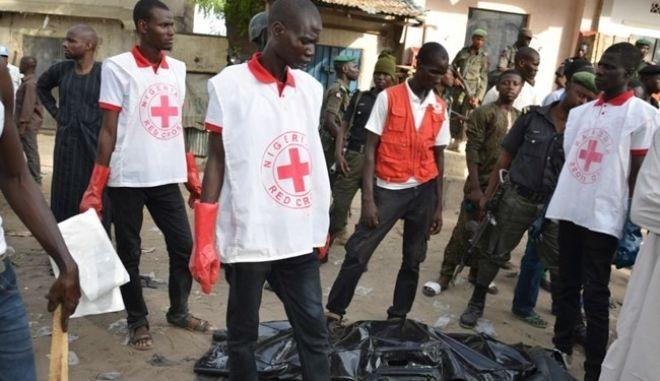 Νιγηρία: 70 νεκροί από την πρόσκρουση βυτιοφόρου σε στάση λεωφορείου