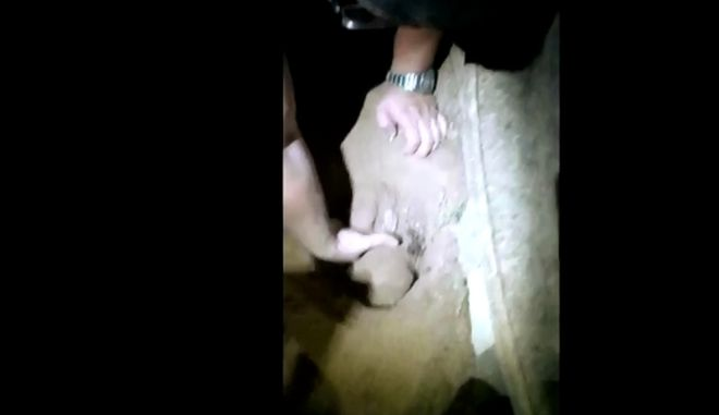 Έθαψαν νεογέννητο μωρό, που ανασύρθηκε ζωντανό έξι ώρες μετά