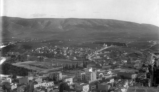 Όταν η Αθήνα είχε ποτάμι. 20 καρέ μιάς άλλης εποχής Akropoli