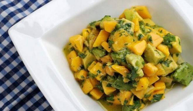 Σενεγαλέζικη σαλάτα αβοκάντο με μάνγκο
