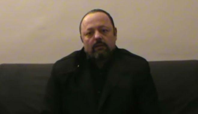 Βίντεο: Ο καταζητούμενος Σώρρας καλεί σε συγκέντρωση στο Σύνταγμα