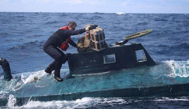 Ισπανία: Αναχαιτίστηκε υποβρύχιο που μετέφερε μεγάλη ποσότητα ναρκωτικών