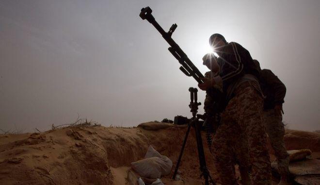 Στρατιώτες στη Λιβύη
