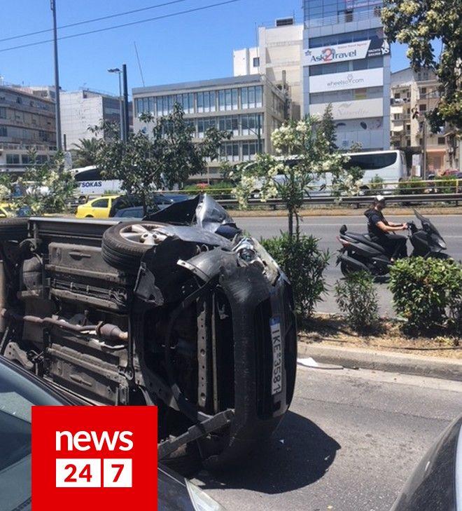 Αυτοκίνητο ντεραπάρισε στη λεωφόρο Συγγρού