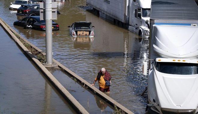 Το πέρασμα του τυφώνα Άιντα στη Νέα Υόρκη