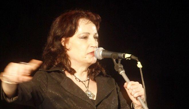 Η Σωτηρία Λεονάρδου σε συναυλία το 2008