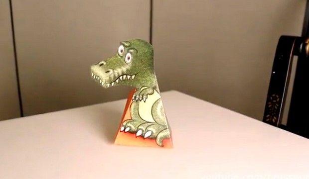 Βίντεο: Ο T-Rex δεινόσαυρος σε παρακολουθεί ή μήπως όχι;