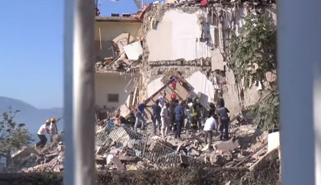 Κατέρρευσε 4ωροφο κτίριο κοντά στη Νάπολη