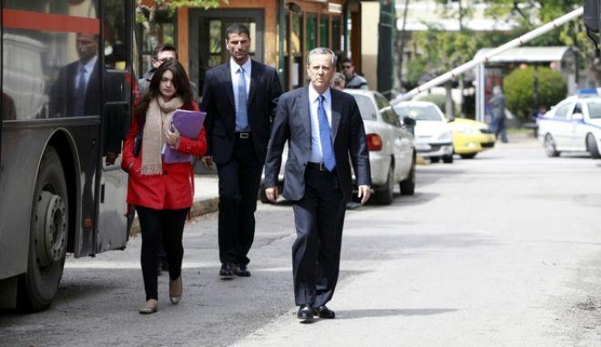 Ο τέως γενικός γραμματέας της κυβέρνησης Τάκης Μπαλτάκος στα Δικαστήρια της οδού Ευελπίδων για να καταθέσει ως μάρτυρας, την Δευτέρα 7 Απριλίου 2014. Η εισαγγελέας Πρωτοδικών Καλλιόπη Νταγιάντα διερευνά εάν έχει τελεστεί από μέρους του Ηλία Κασιδιάρη το κακούργημα της παραβίασης του νόμου περί προσωπικών δεδομένων. (EUROKINISSI/ΓΕΩΡΓΙΑ ΠΑΝΑΓΟΠΟΥΛΟΥ)