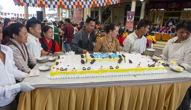 Το μεγαλύτερο κέικ του κόσμου στην Ινδία
